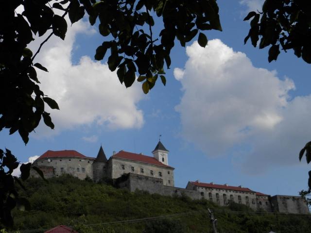 мукачевский замок паланок снаружи