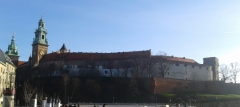 wawel_fromriver_all_wall