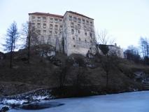 Peskova skala castle front